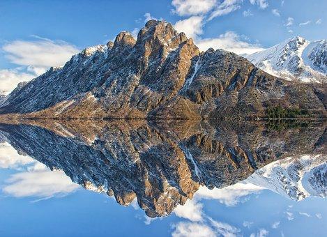 mountain-1624284__340