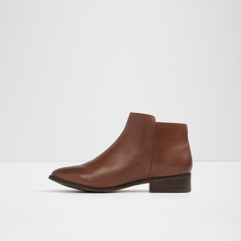 14. Chelsea boots